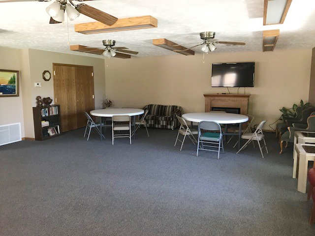 Eastlawn: Community Room